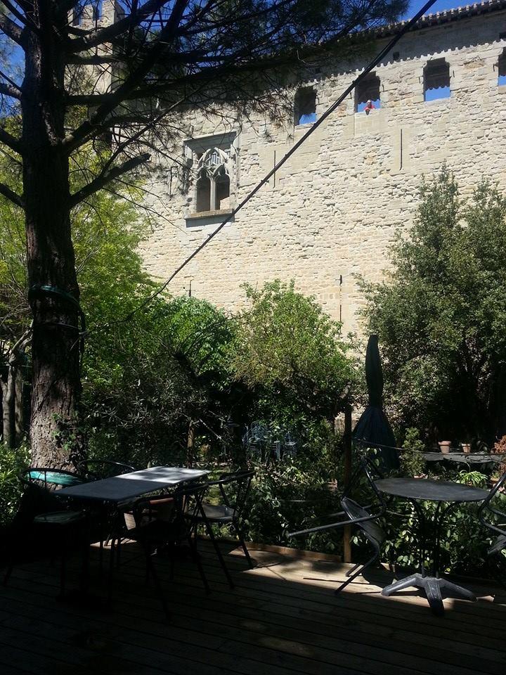 o manger carcassonne au jardin de la tour