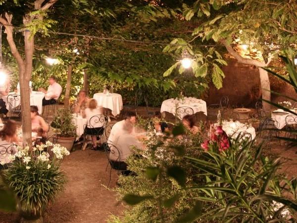 O manger carcassonne au jardin de la tour - Restaurant le jardin en ville carcassonne ...