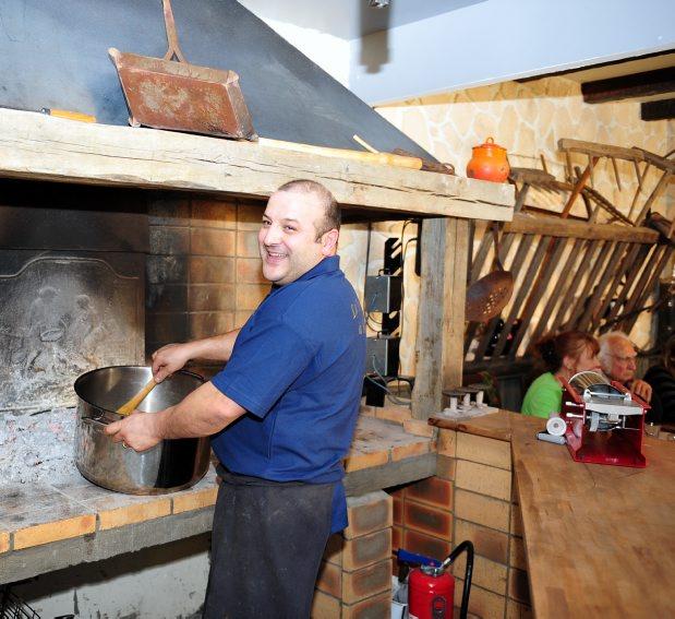 La Taverne à Bacchus Pieusse