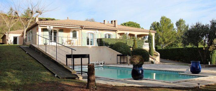 [Vidéo drone] Splendide villa d'architecte à Carcassonne