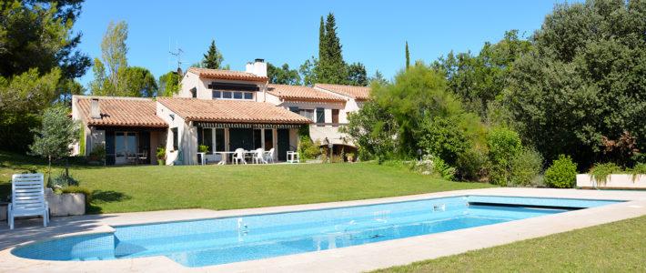 Dans l'œil du drone – Villa avec piscine dans un environnement exceptionnel